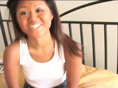 Hot slutty oriental babe loves showing her nice body