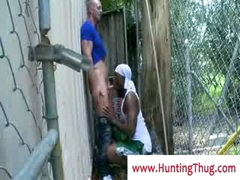 Darksome ghetto guy sucking white schlong in the alley